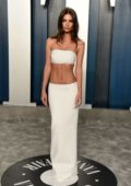 Emily Ratajkowski attends the 2020 Vanity Fair Oscar Party at Wallis Annenberg Center for the Performing Arts in Los Angeles