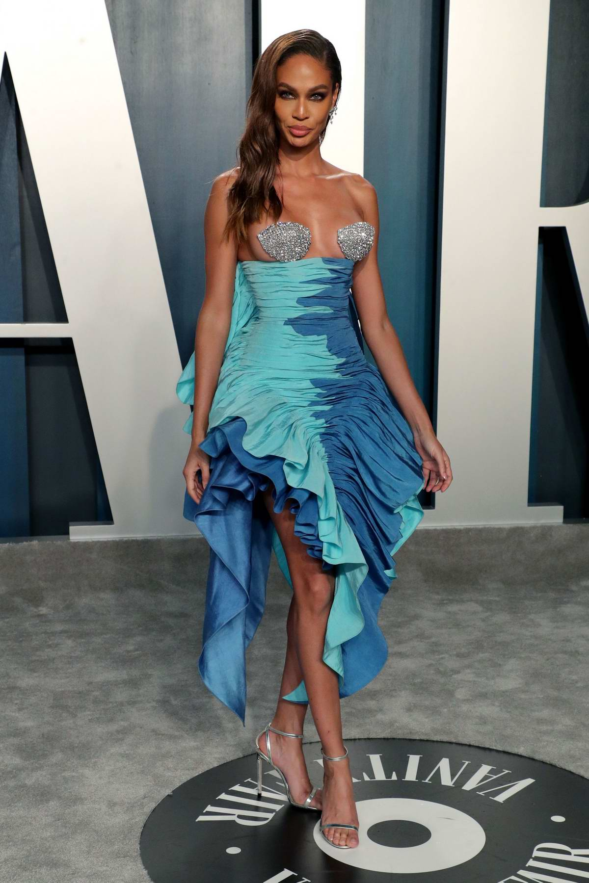 Joan Smalls attends the 2020 Vanity Fair Oscar Party at Wallis Annenberg Center for the Performing Arts in Los Angeles