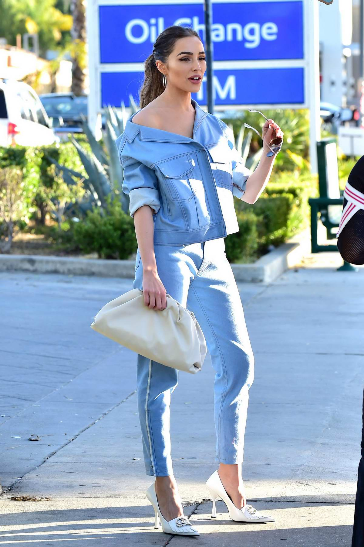 Olivia Culpo looks stylish in blue while waiting for her ride in Los Angeles