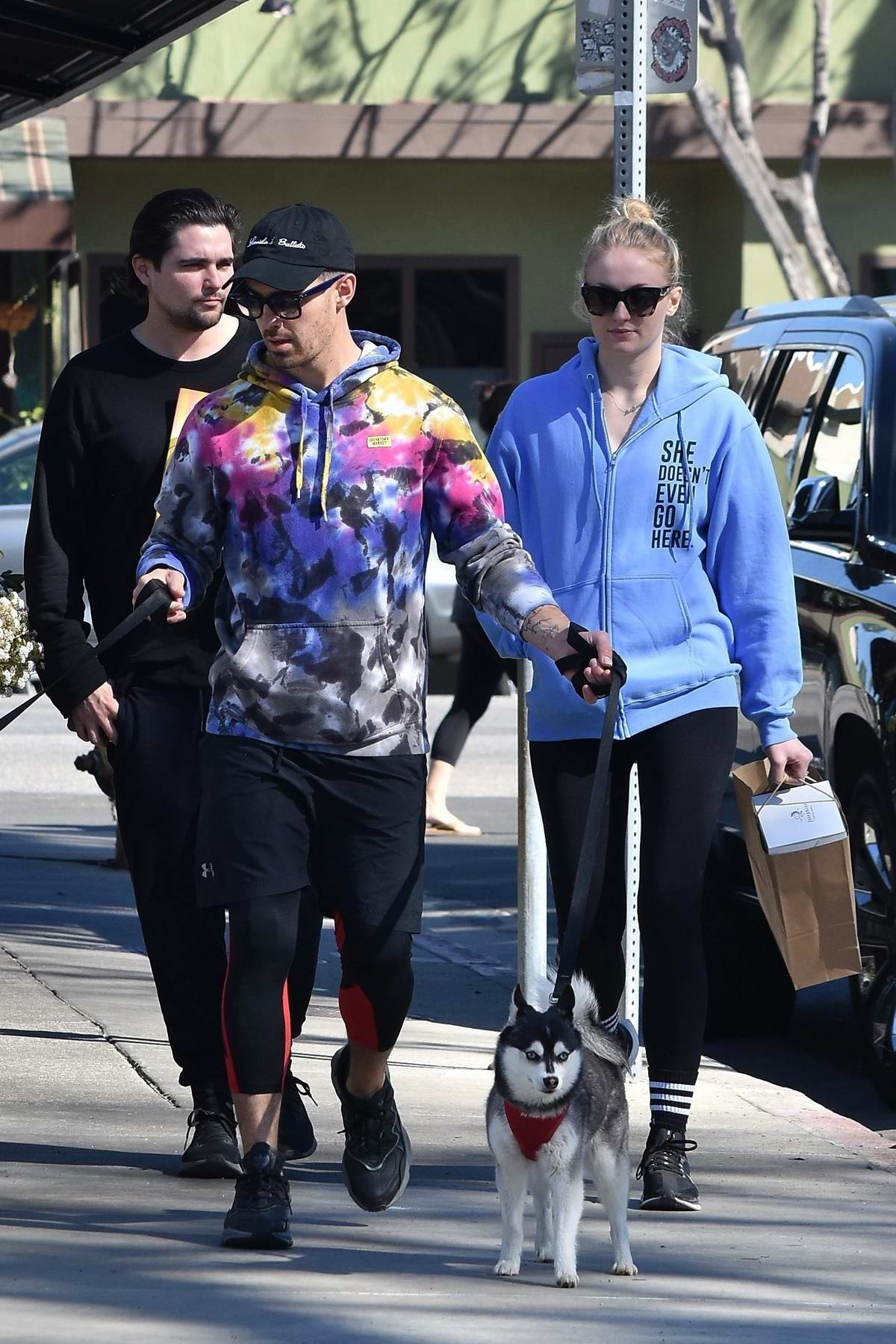 Sophie Turner sports a hoodie and leggings while out for breakfast with Joe Jonas in Studio City, California