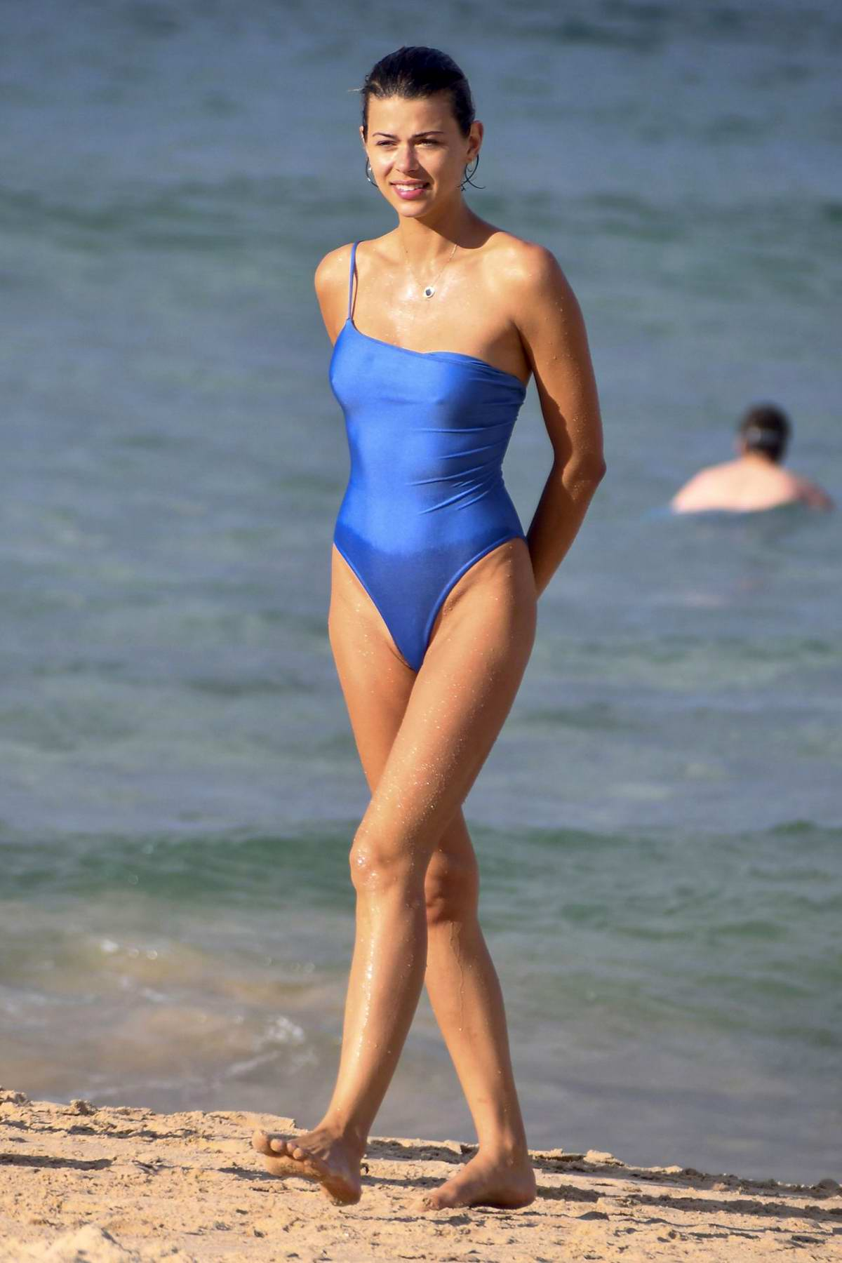 Georgia Fowler looks great in a blue swimsuit while relaxing at the beach in Sydney, Australia