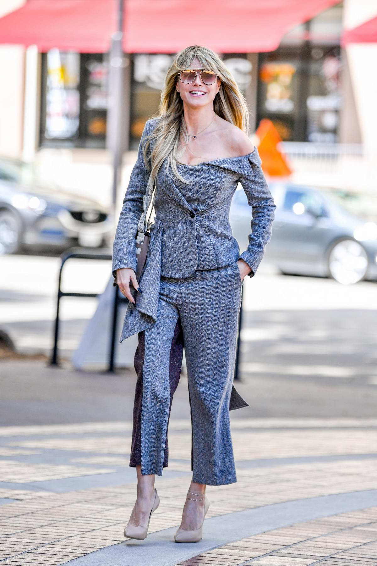 Heidi Klum looks stylish in a grey outfit as she arrives at the 'Americas Got Talent' in Pasadena, California