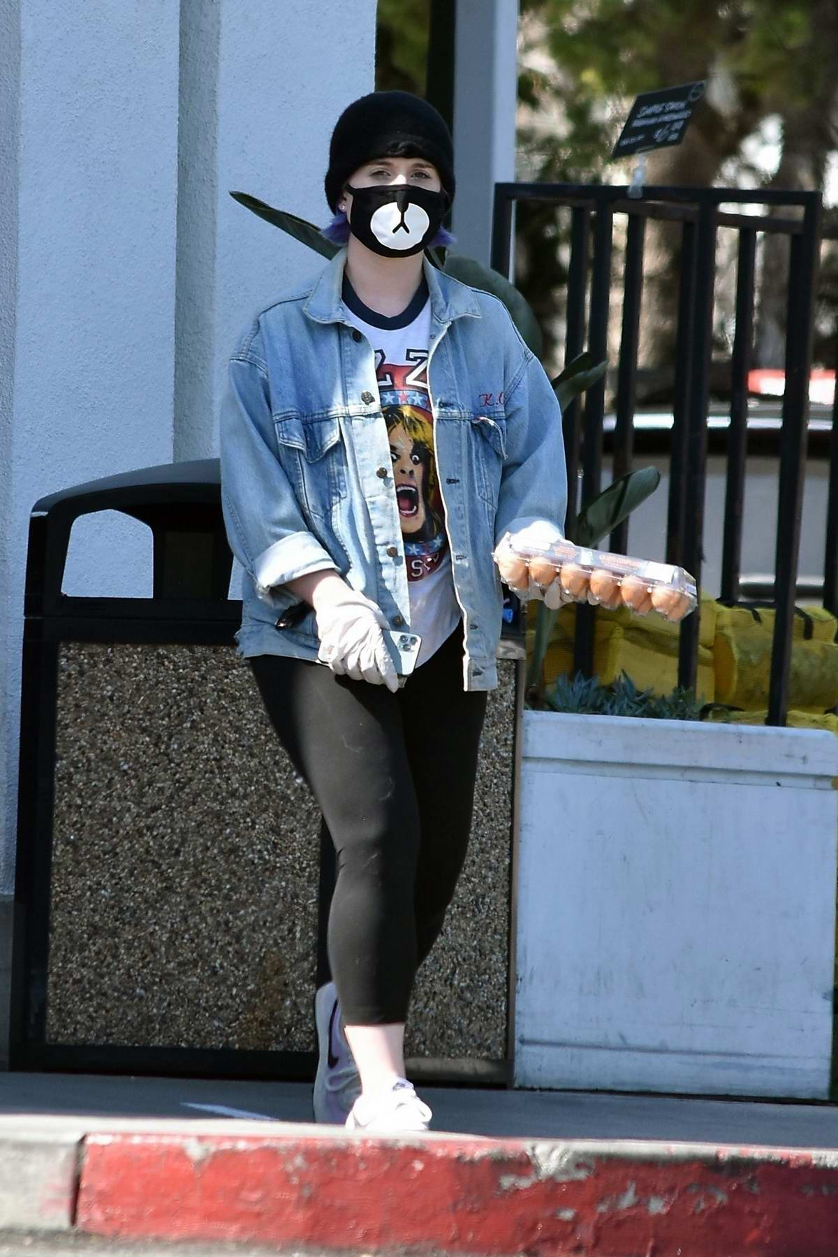 Kelly Osbourne seen wearing a mask as she stepped out for some eggs in Los Angeles