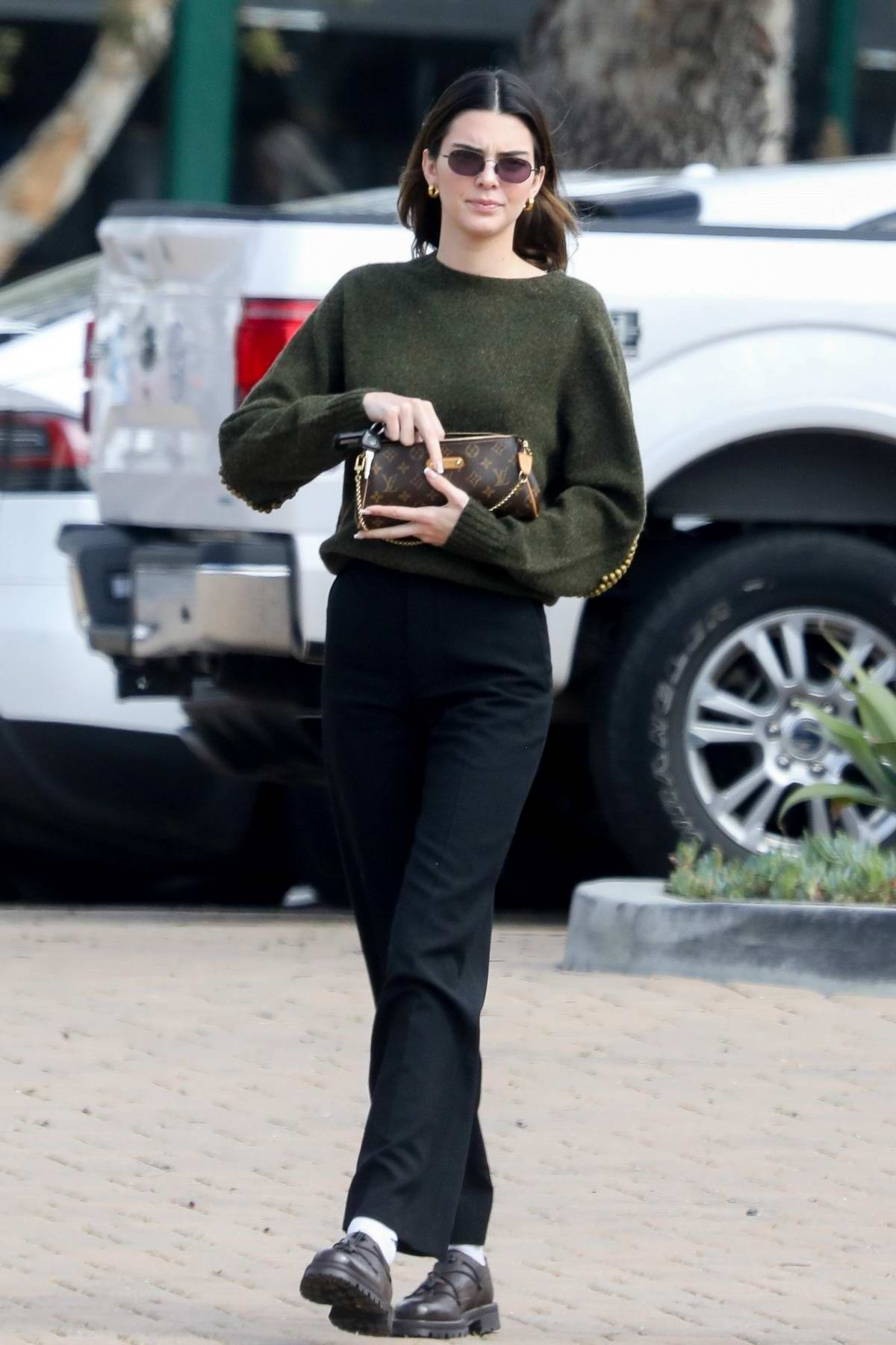 Kendall Jenner meets up for lunch with Caitlyn jenner in Malibu, California
