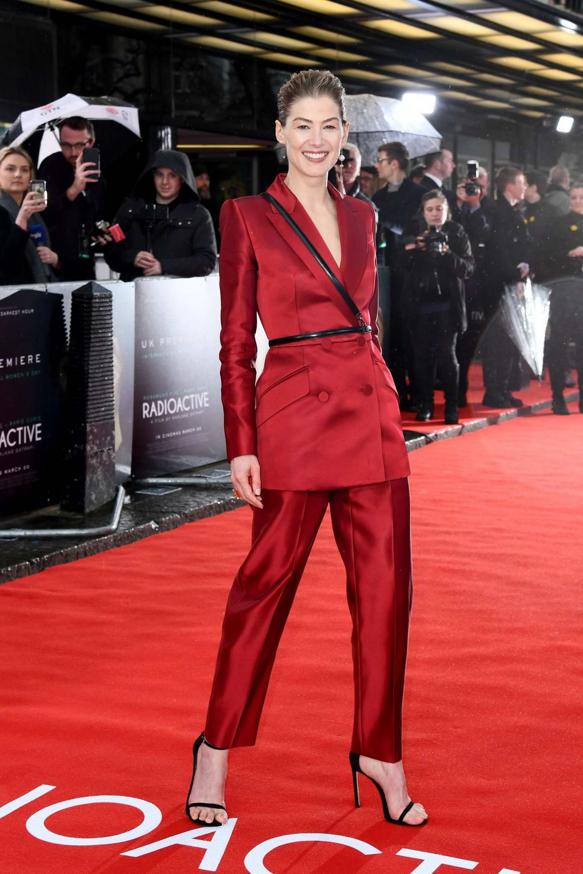 Rosamund Pike attends the Premiere of 'Radioactive' in London, UK