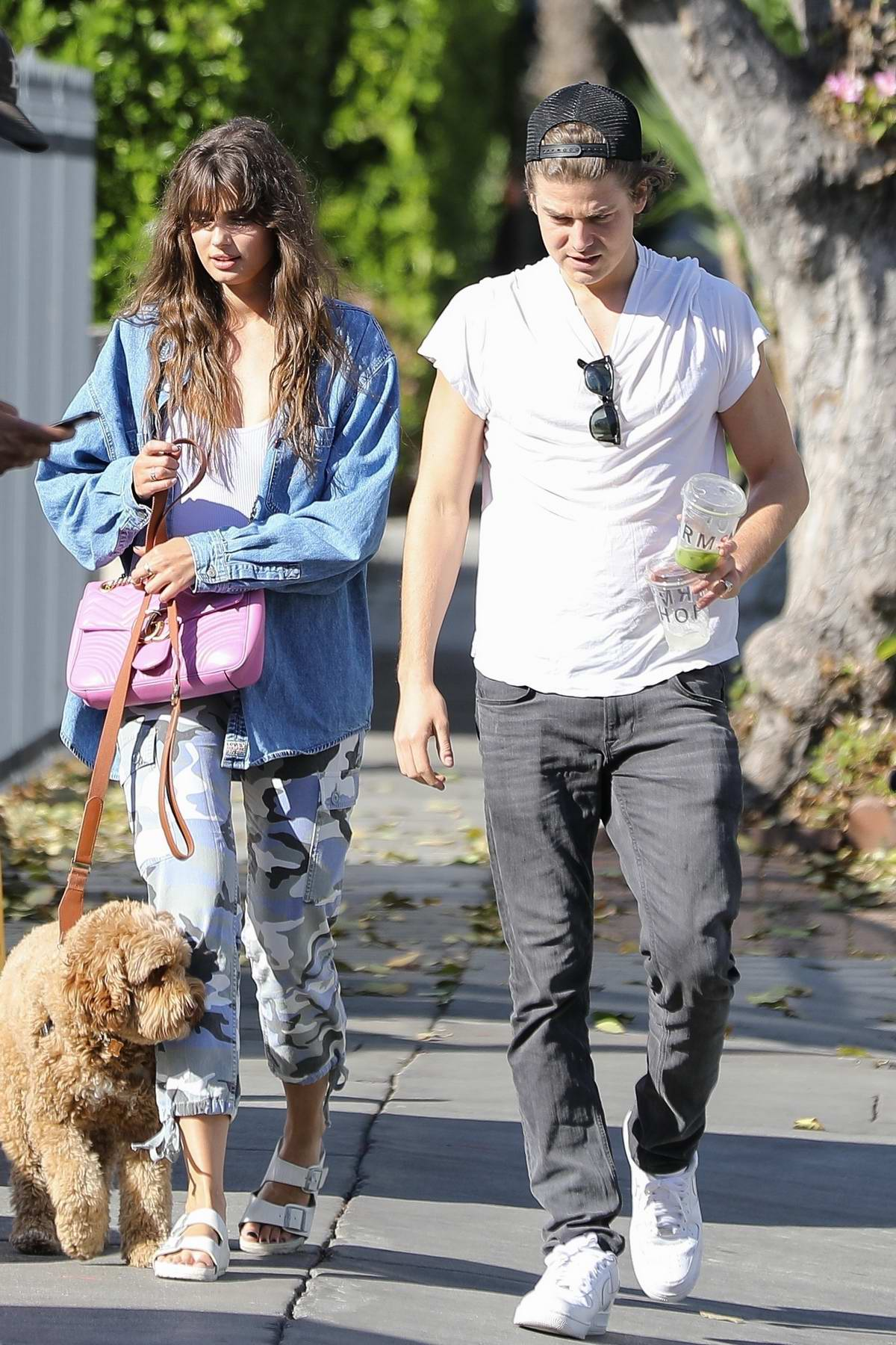 taylor hill steps out for breakfast with boyfriend daniel ...