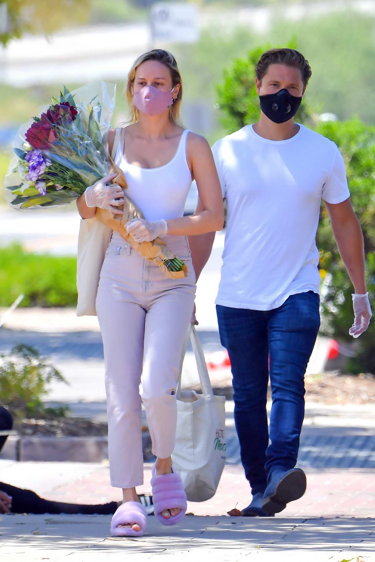 Brie Larson and boyfriend Elijah Allan-Blitz step out to a local farmer's market in Los Angeles