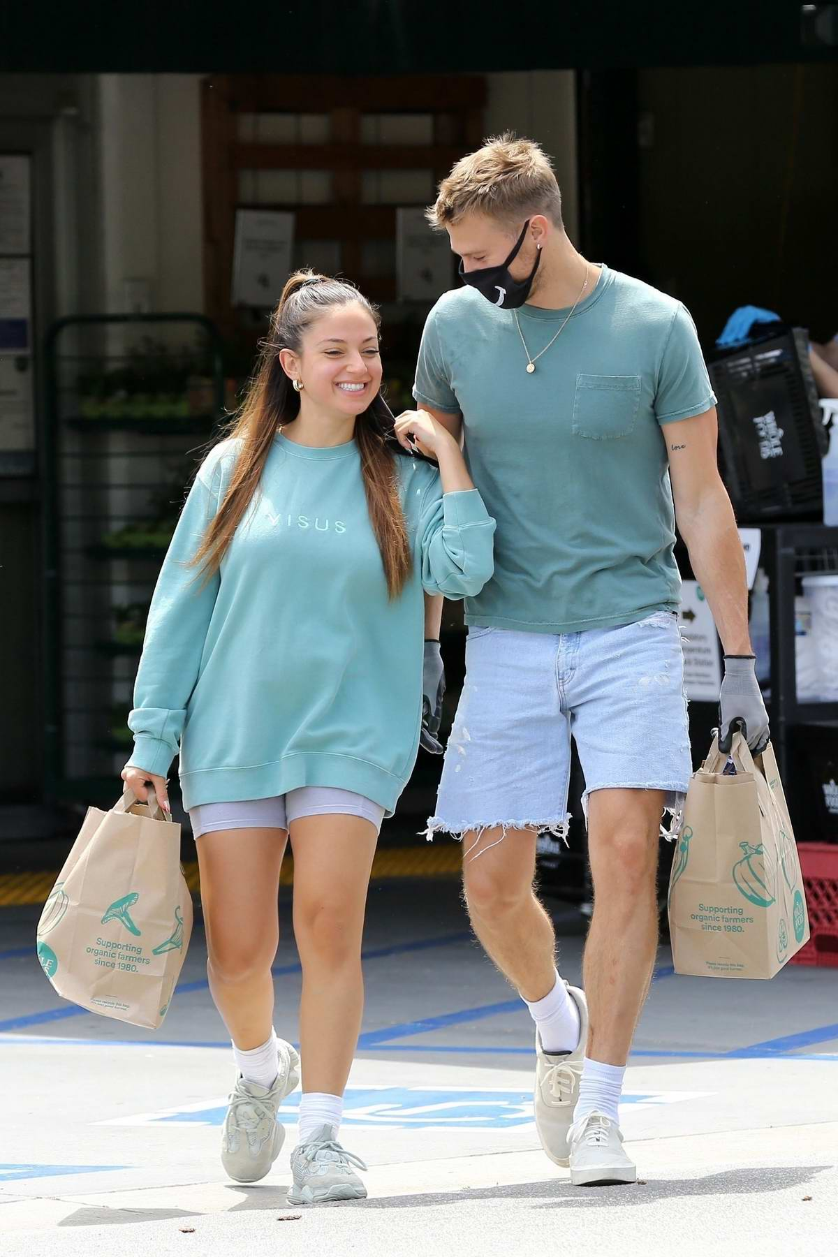 Inanna Sarkis goes shopping with her boyfriend Matthew Noszka at Whole Food in Los Angeles