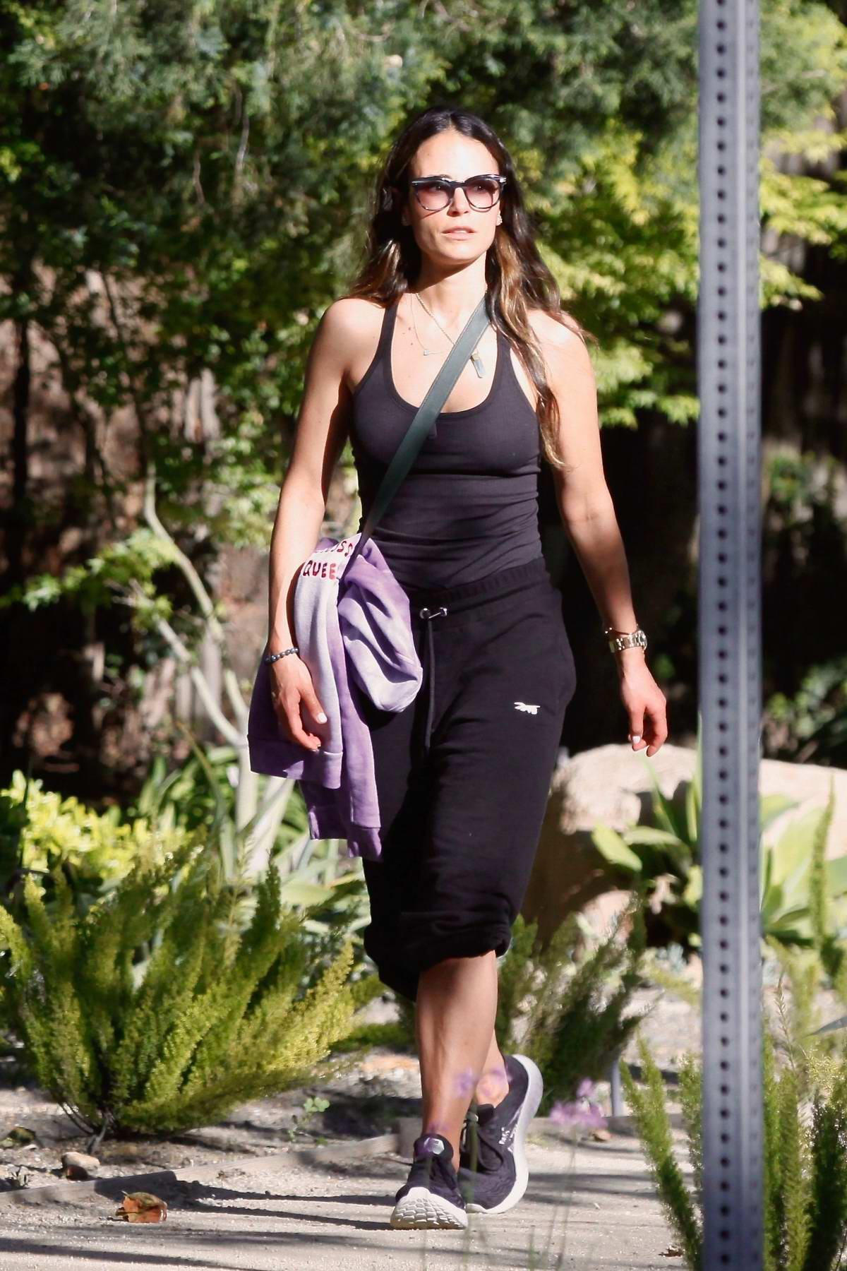 Jordana Brewster looks in fit form as she takes an afternoon stroll in Pacific Palisades, California