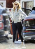 Laura Dern picks up lunch to-go from the Brentwood Country Mart, California