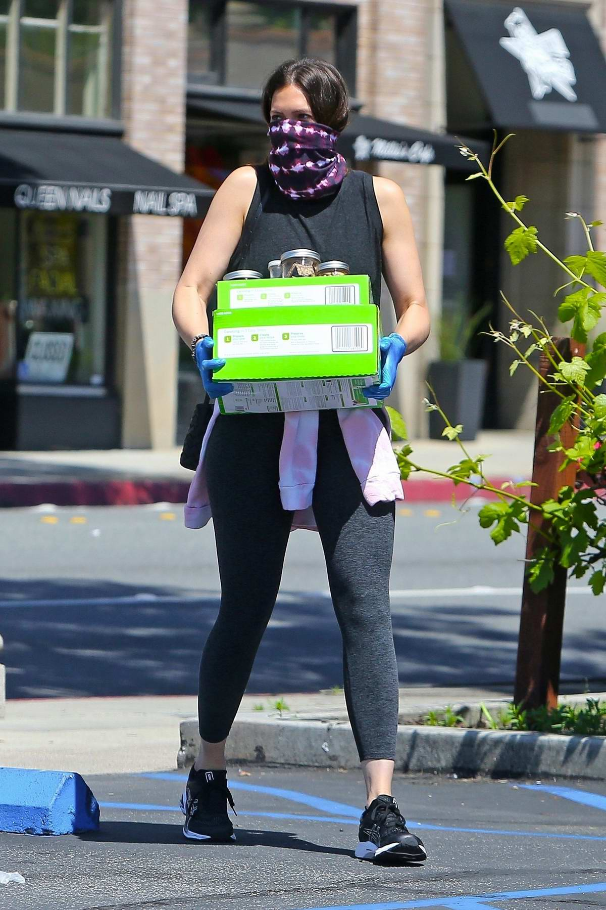 Mandy Moore picks up food at Culture Club 101 in Pasadena, California