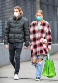 Sailor Brinkley-Cook wears a face mask while on a shopping trip to Whole Foods in Brooklyn, New York