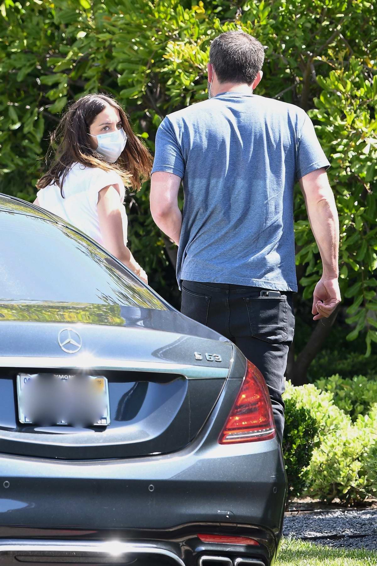 Ana de Armas and Ben Affleck start off their Sunday with a coffee run in Brentwood, California