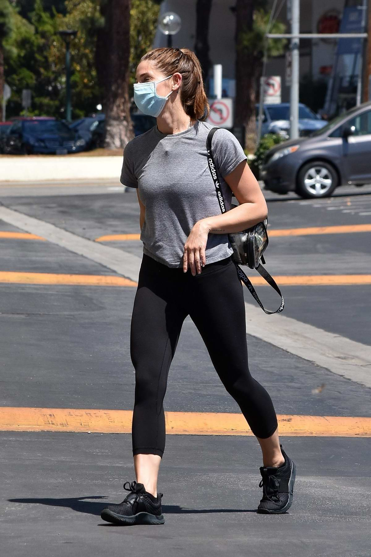 Ashley Greene picks up some groceries from Ralphs after a mid-day workout session in Studio City, California