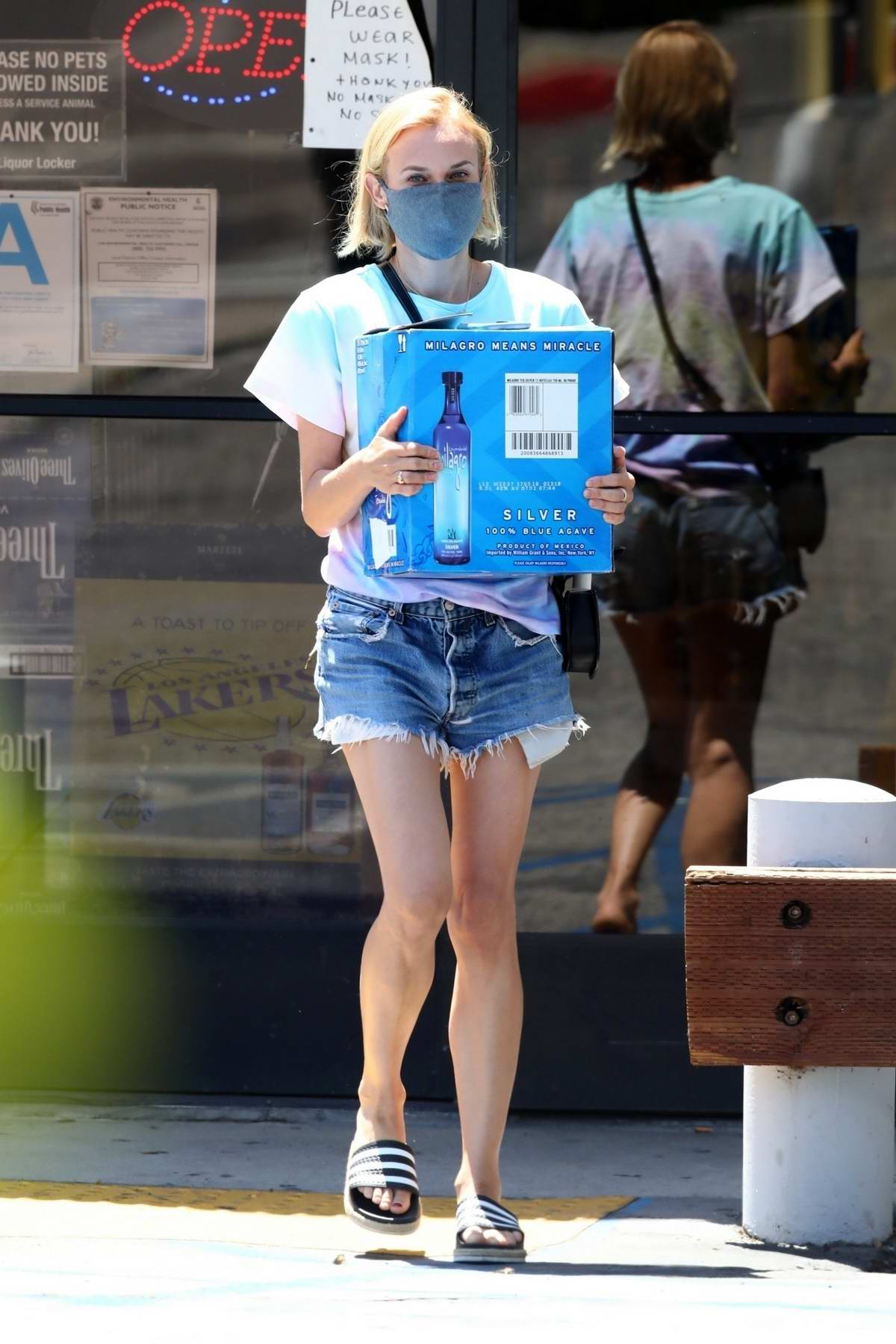 Diane Kruger stocks up on Blue Agave tequilana in Los Angeles