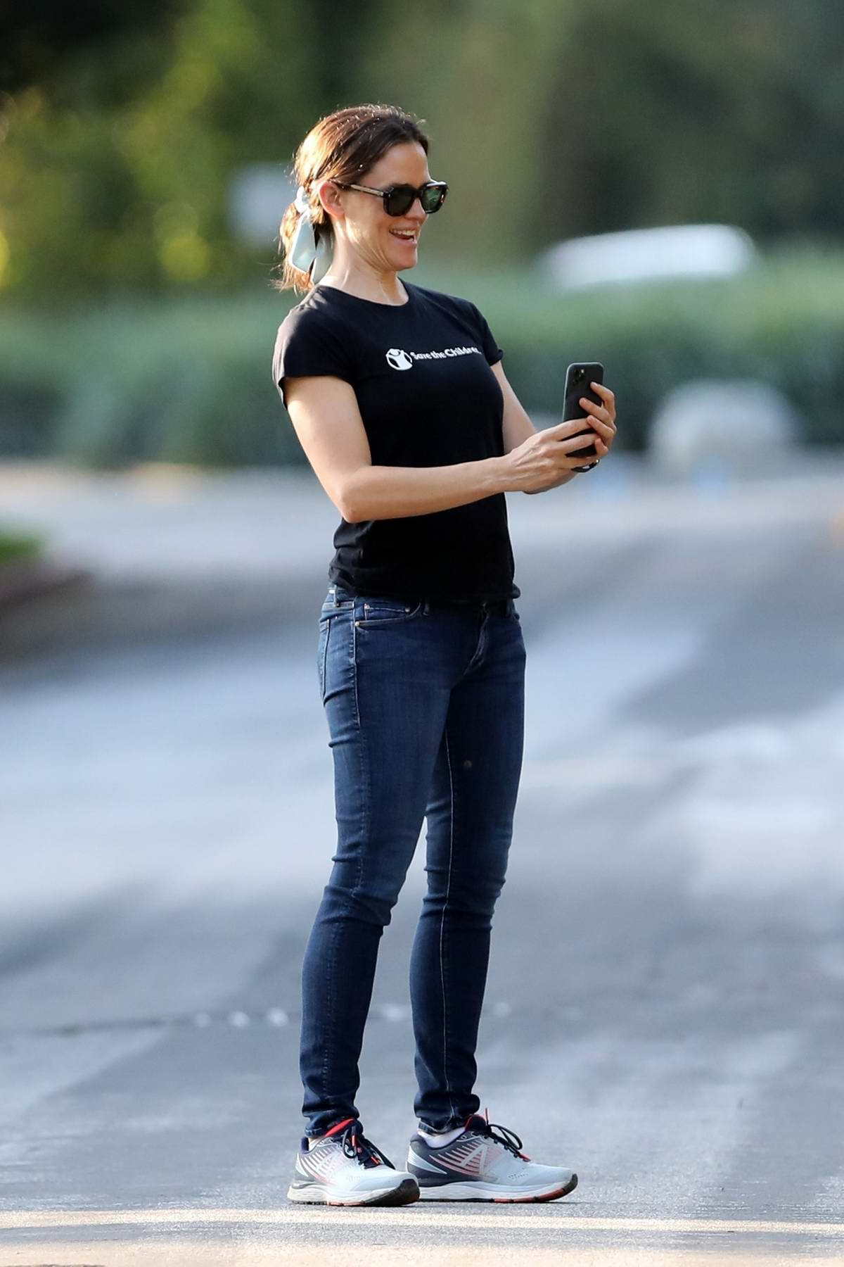 Jennifer Garner visits a construction site with her kids in in Brentwood, California
