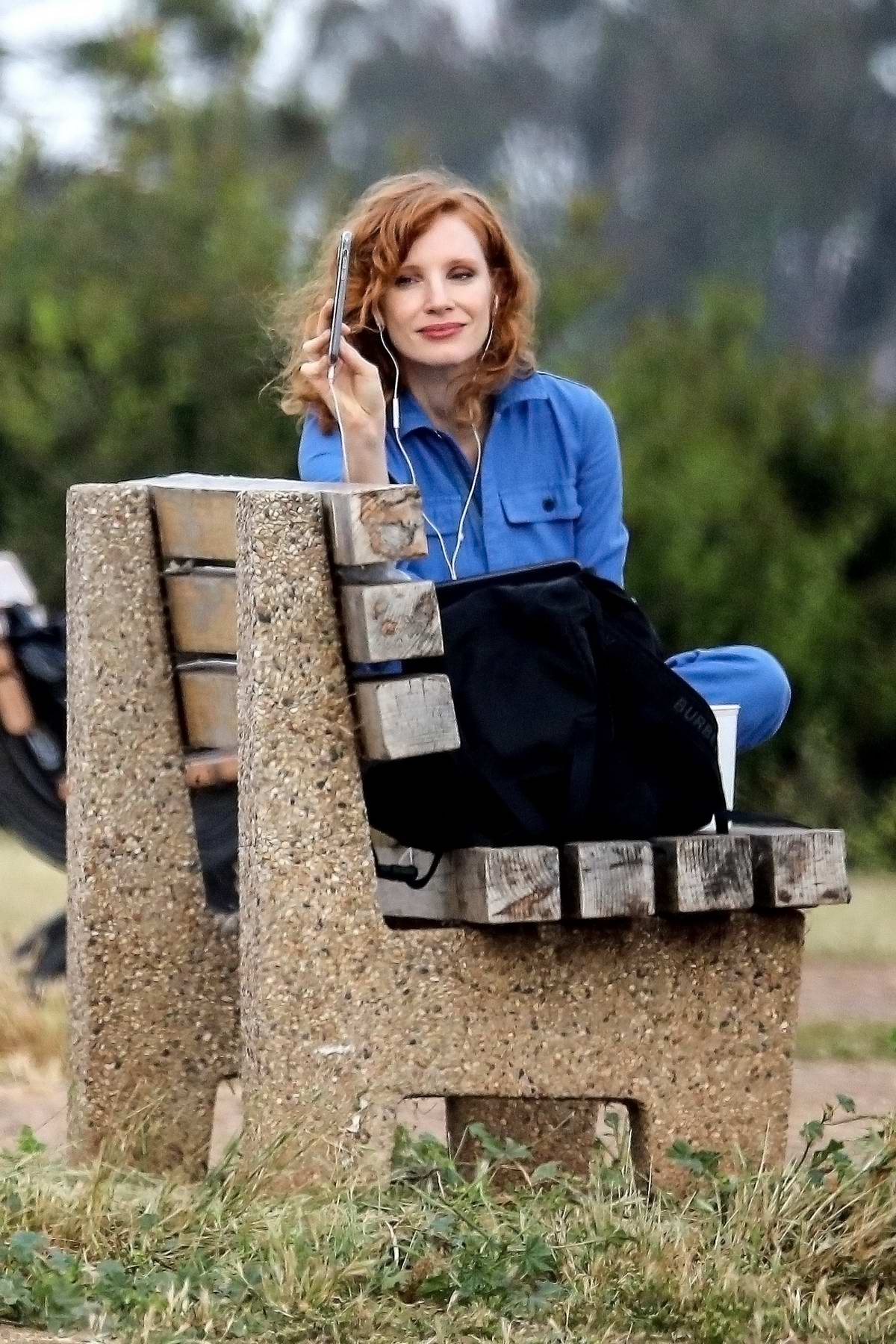 Jessica Chastain takes a break from quarantine as she enjoys some time on a bench in Pacific Palisades, California