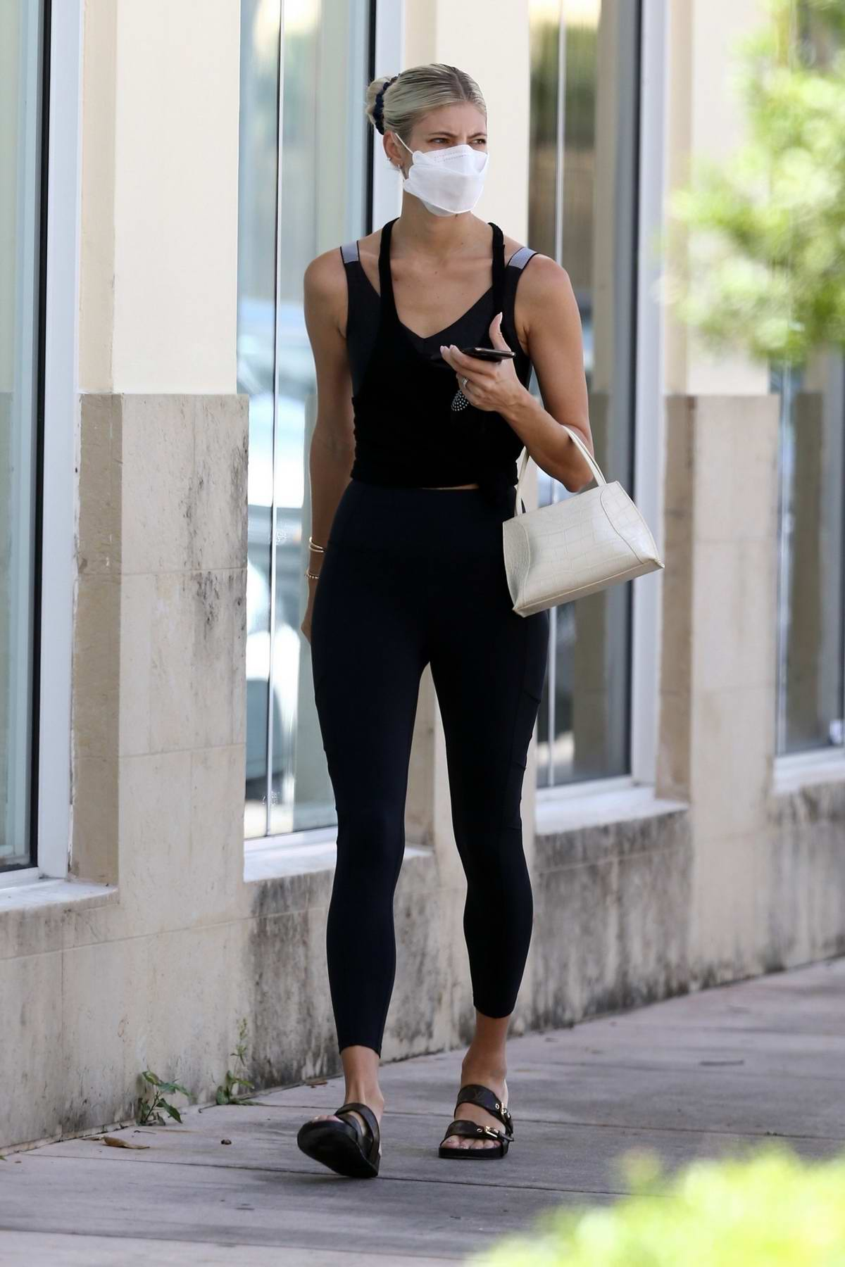 Devon Windsor dons all-black athleisure as she arrives at a Pilates class in Miami, Florida