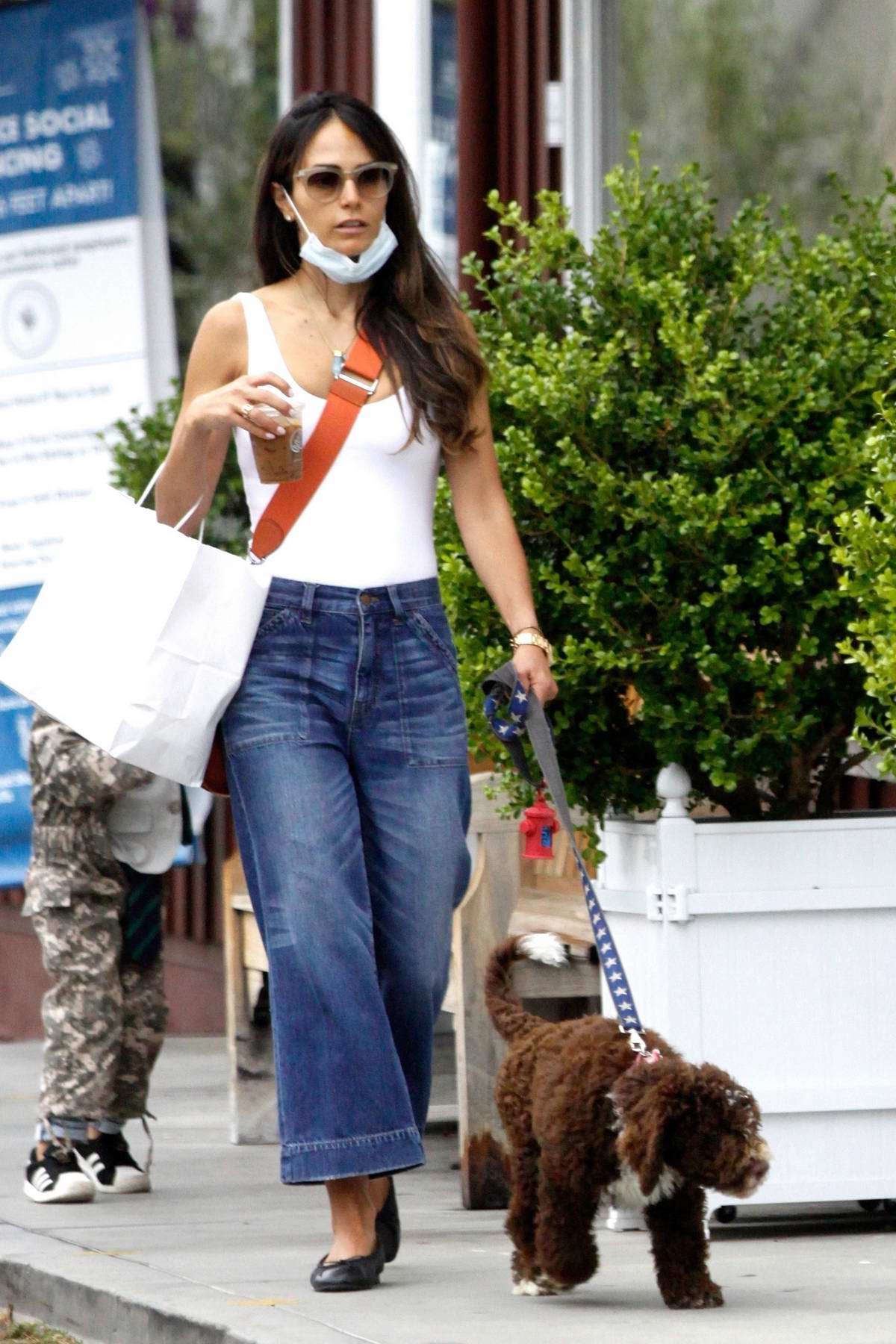 Jordana Brewster takes her kids and dog to breakfast at Caffe Luxxe in Brentwood, California