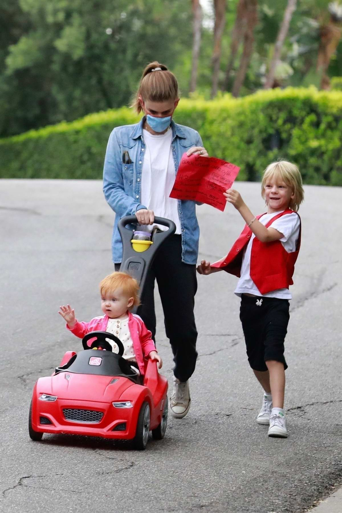 Kate Mara goes on her routine walk with her daughter and stepson in Los Feliz, California
