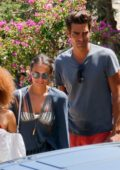 Alicia Vikander grabs lunch with friends before some shopping in Ibiza, Spain
