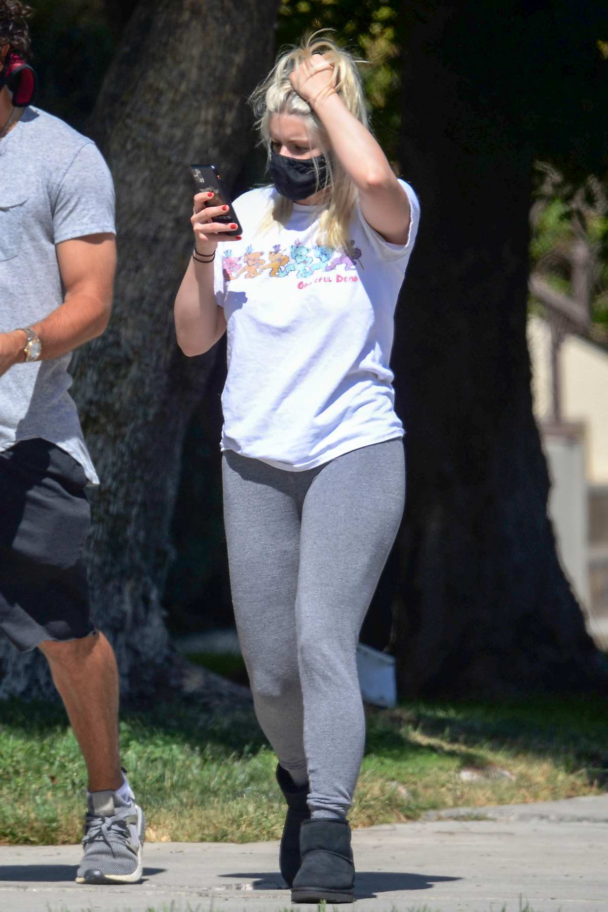 Ariel Winter keeps it casual in a white tee and grey leggings while out with her friends in North Hollywood, California