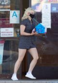 Ariel Winter picks up an ice cream cake on her way to a birthday party at Baskin Robbins in Los Angeles