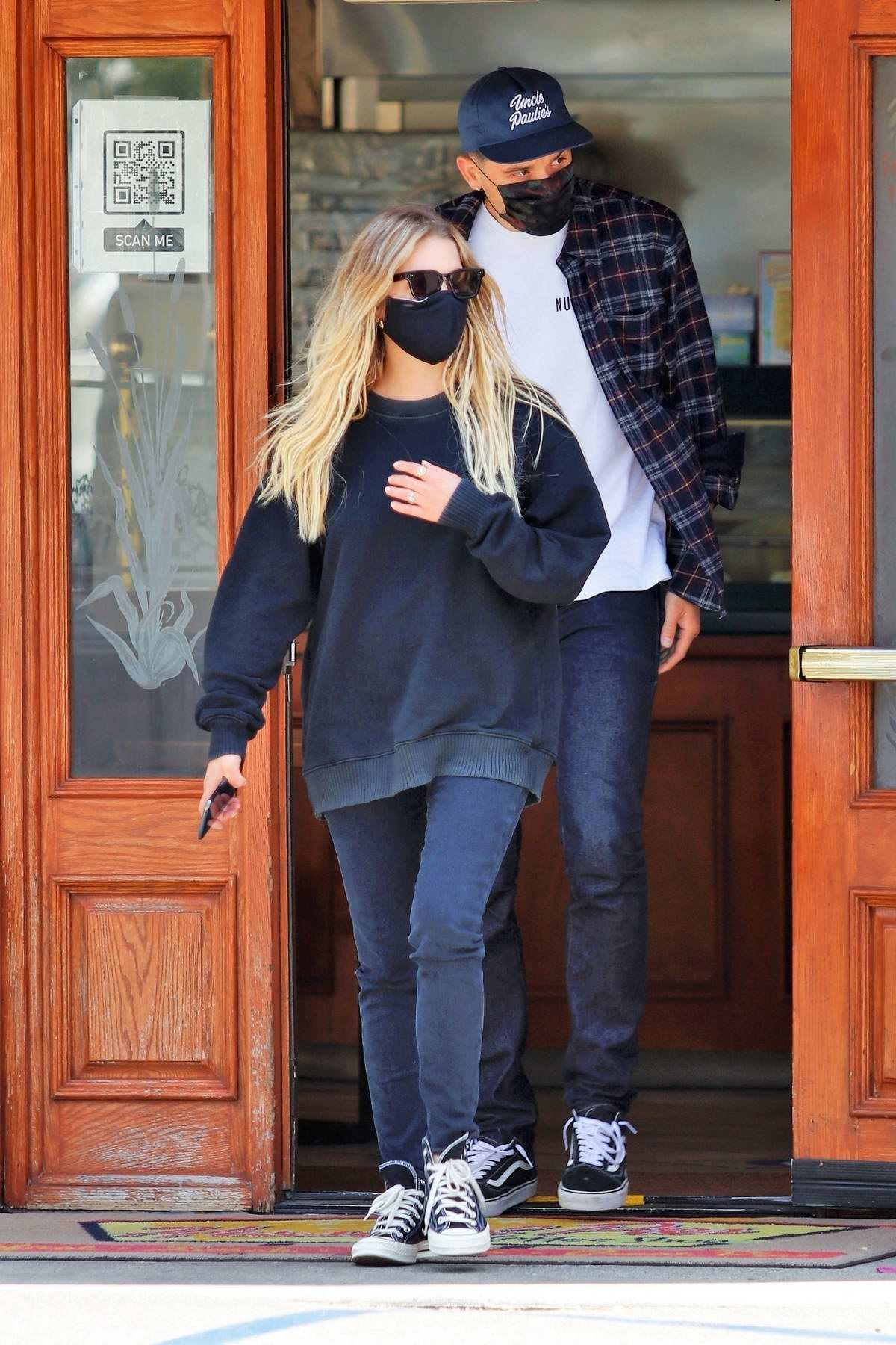 Ashley Benson and G-Eazy grab lunch with a group of friends in Los Angeles