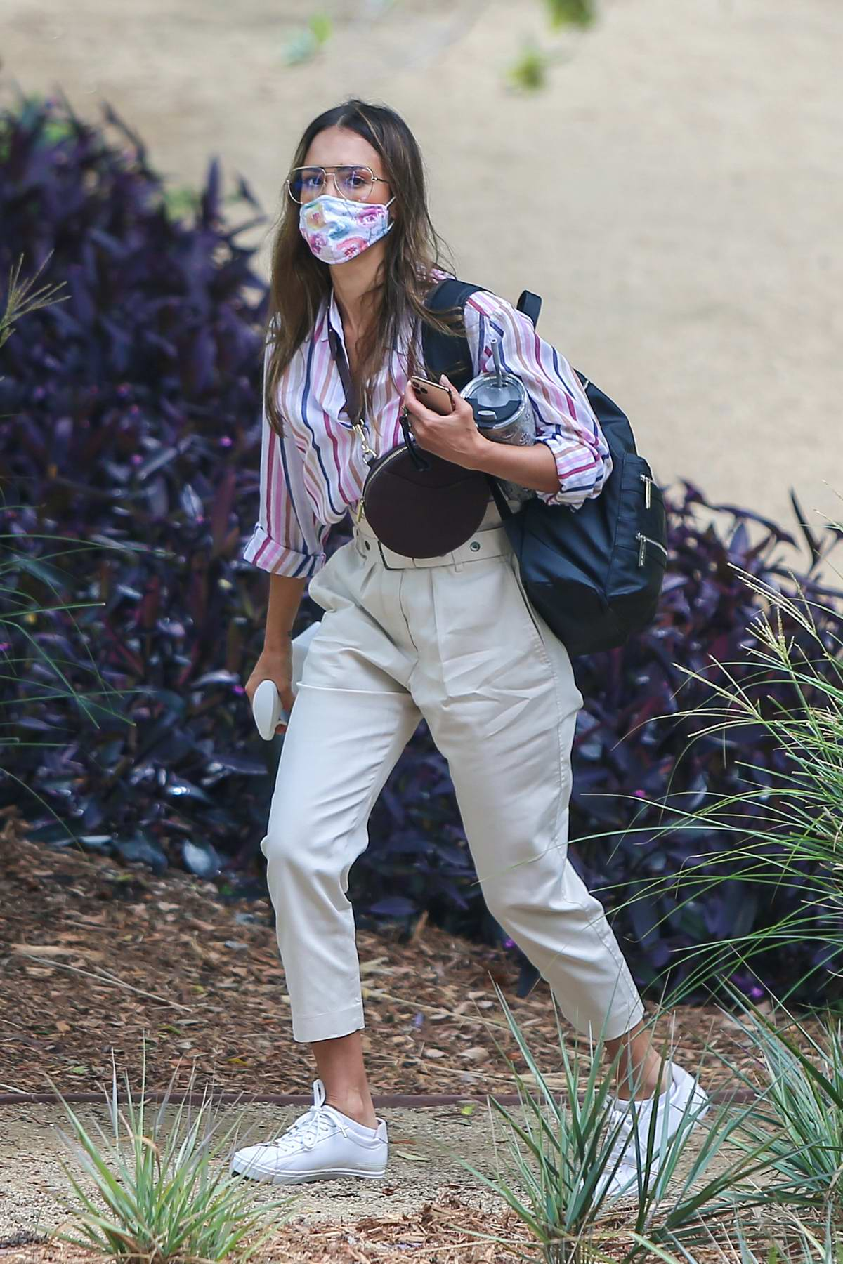 Jessica Alba heads for a day of work at the Honest Company in Los Angeles