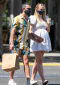 Sophie Turner and Joe Jonas meet up with friends for lunch at Lodge Bread Company in Encino, California