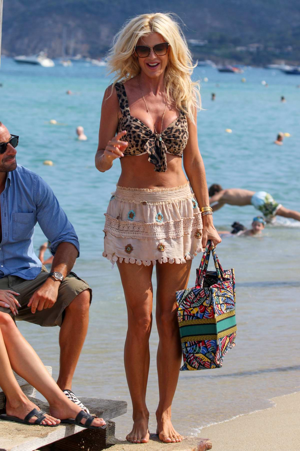 Victoria Silvstedt shows off her amazing figure while out for lunch at the club 55 in Saint-Tropez, France