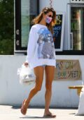Alessandra Ambrosio puts on a leggy display while out to grab some take out lunch in Malibu, California