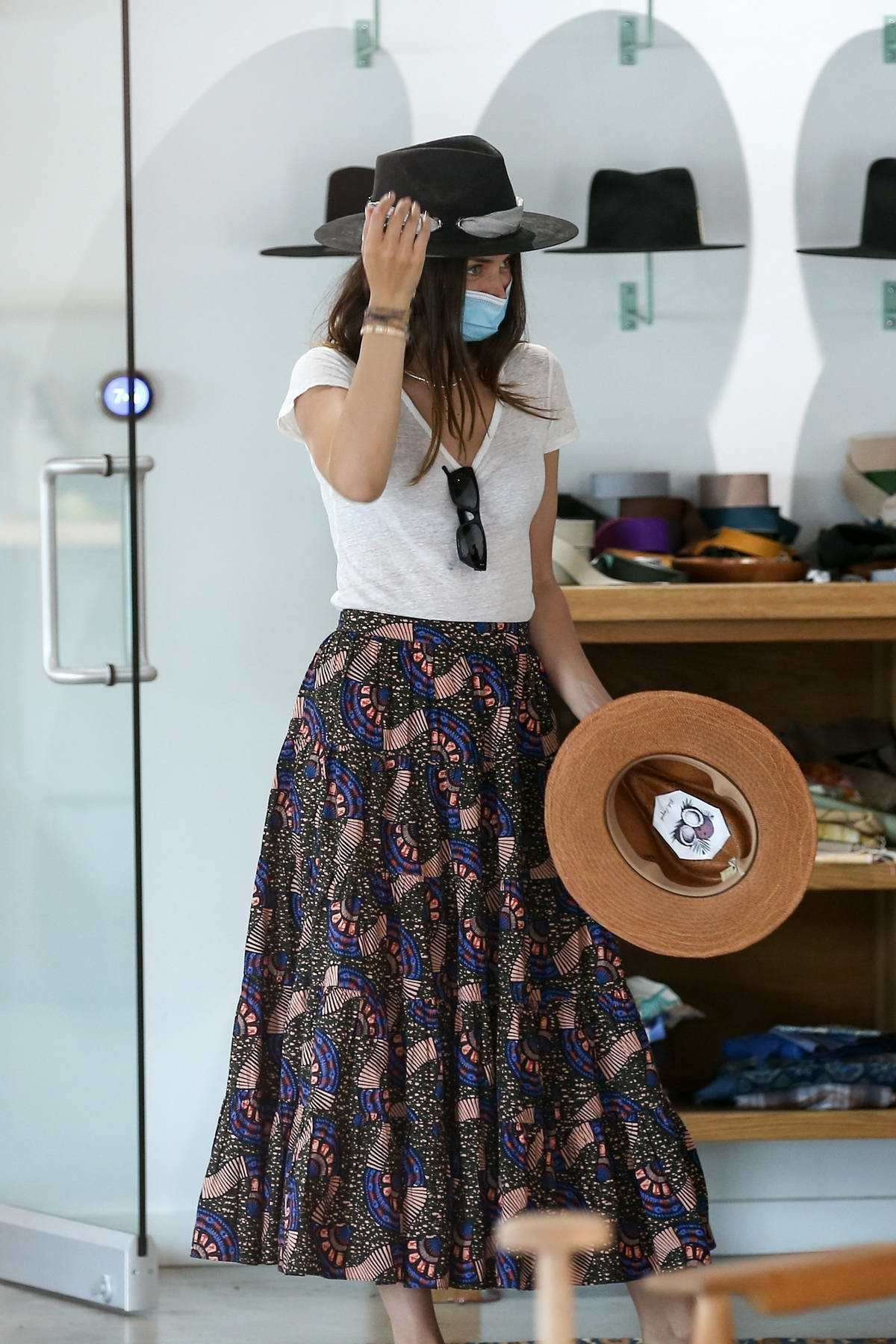 Ana de Armas and Ben Affleck shop for hats at Nick Fouquet hat shop in Venice, California