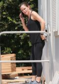 Jennifer Garner checks out the progress on her new home in Brentwood, California
