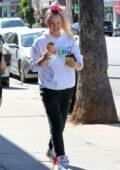 JoJo Siwa enjoys some ice cream with a friend at Salt & Straw in Los Angeles