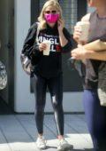 Sarah Michelle Gellar grabs coffee with some girlfriends at Blue Bottle Coffee in Santa Monica, California