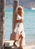 Victoria Silvstedt looks ready for the beach during her vacation in Saint-Tropez, France