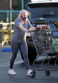 Ariel Winter sports a gray tee and leggings as she stocks up on groceries at Gelson's in Los Angeles