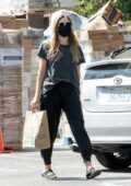 Elizabeth Olsen keeps it casual for a grocery run with fiance Robbie Arnett in Sherman Oaks, Calfornia