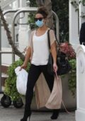 Kate Beckinsale takes her dog with her to a meeting at Shutters hotel in Santa Monica, California