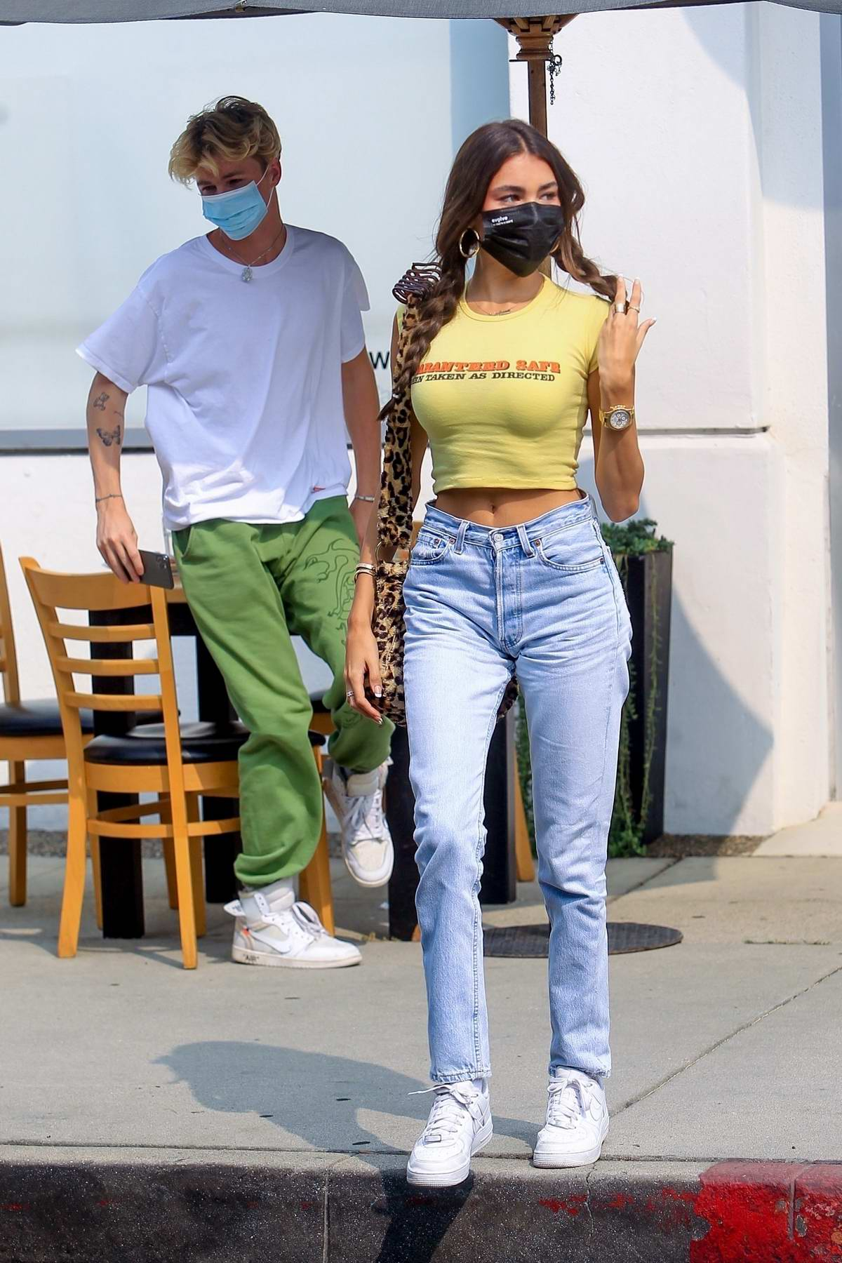 Madison Beer is all smiles during an al fresco lunch with Nick Austin at Toast in West Hollywood, California