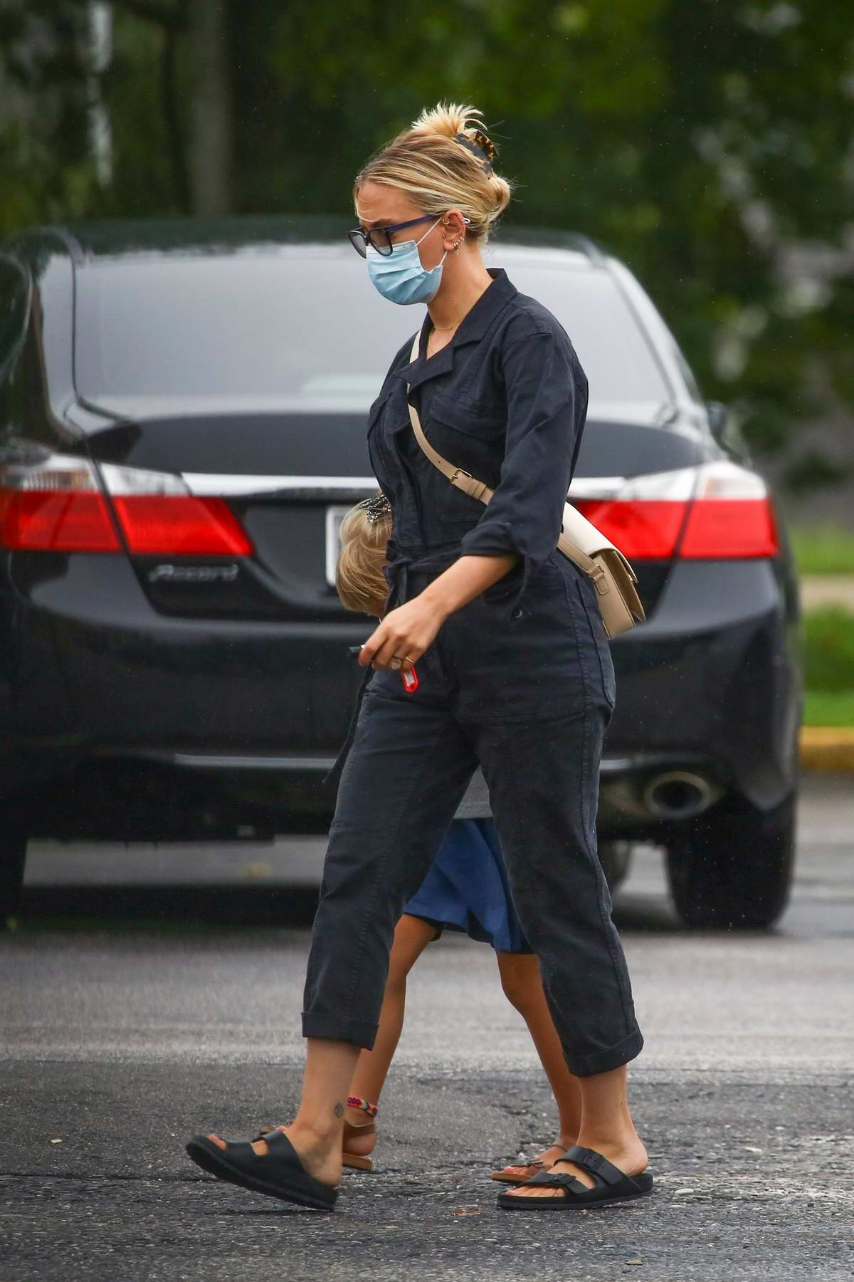 Scarlett Johansson seen grocery shopping with her daughter in the Hamptons, New York