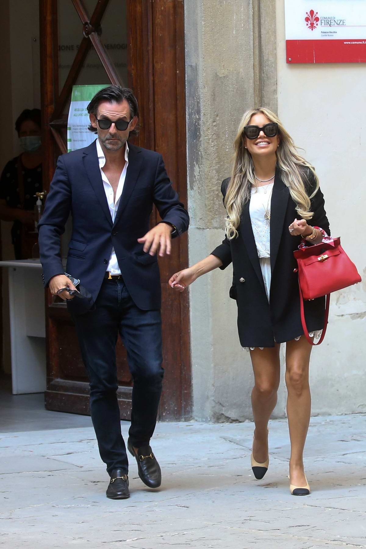 Sylvie Meis and Niclas Castello enjoy a pre-wedding party with friends and family in Florence, Italy