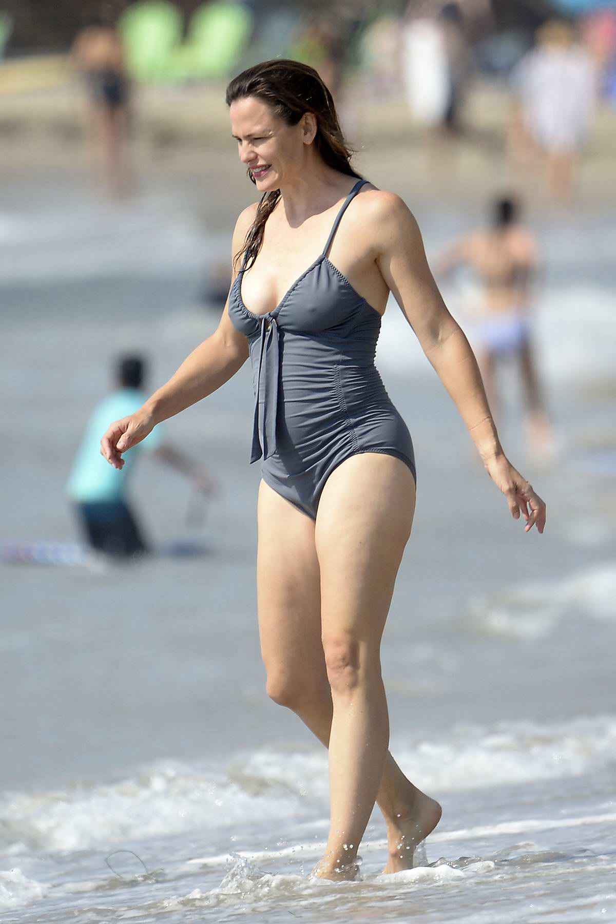 Jennifer Garner looks great in a gray swimsuit while enjoying a day at the beach in Malibu, California
