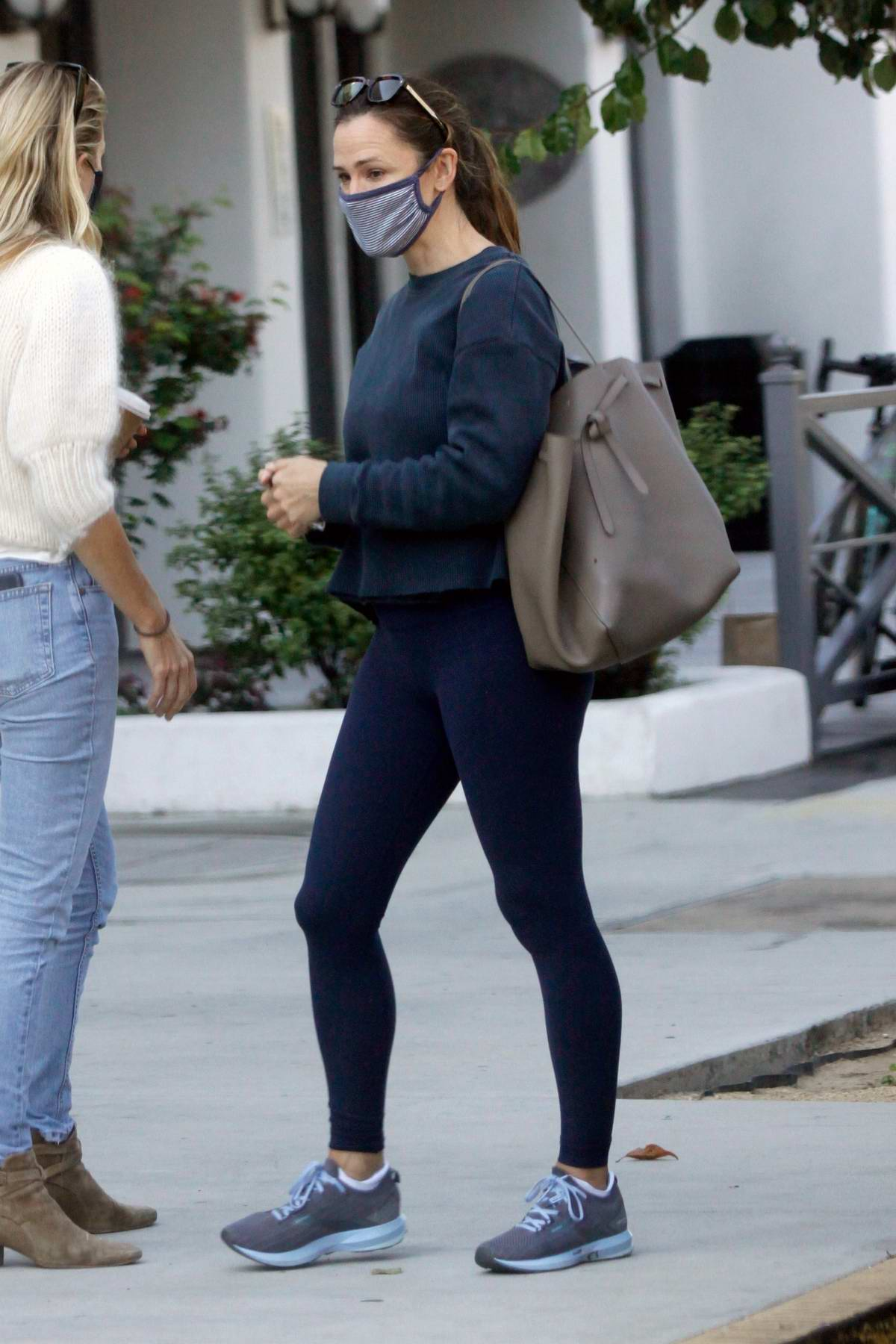 Jennifer Garner meets a friend for a morning cup of coffee in Los Angeles