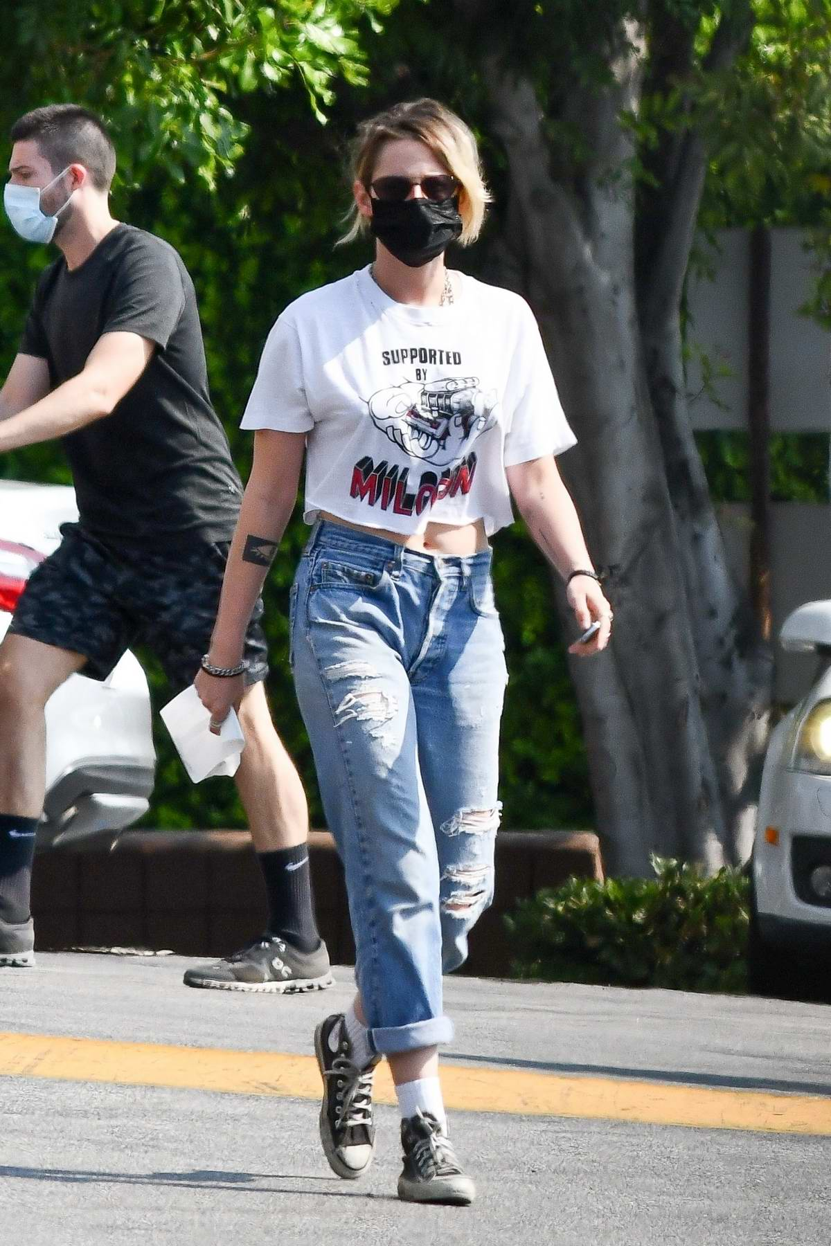 Kristen Stewart stops to pick up groceries with girlfriend Dylan Meyer at Gelson's in Los Angeles