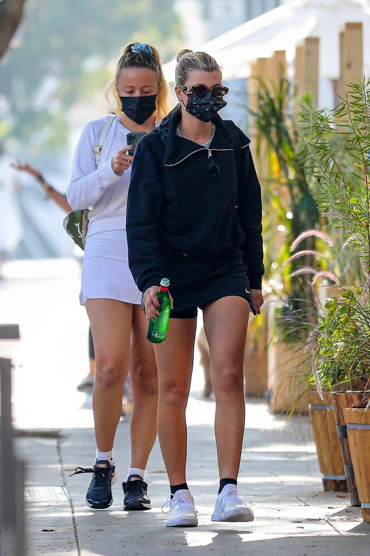 Sofia Richie flaunts her toned legs during a lunch outing at Croft Alley in Beverly Hills, California