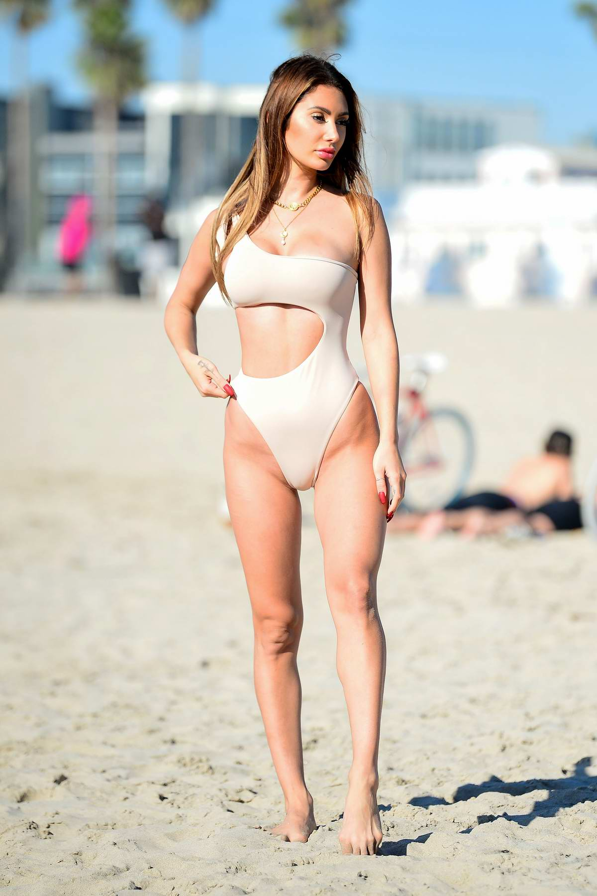 Francesca Farago shows off her bikini body at the beach during a photoshoot for her new collection in Venice, California