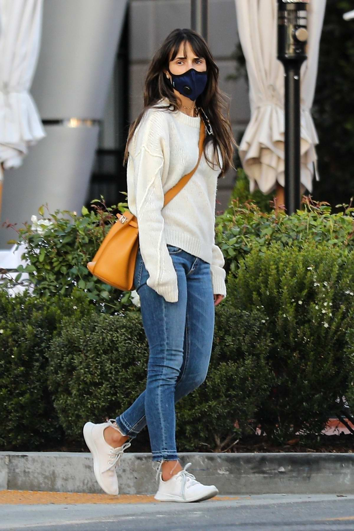 Jordana Brewster gets in some retail therapy at Reformation store in Pacific Palisades, California