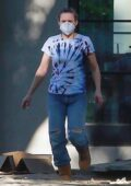 Kristen Bell seen moving some items to her new house in Los Feliz, California